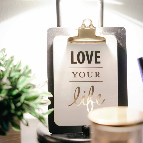 bright-candle-clipboard-811575 (1)